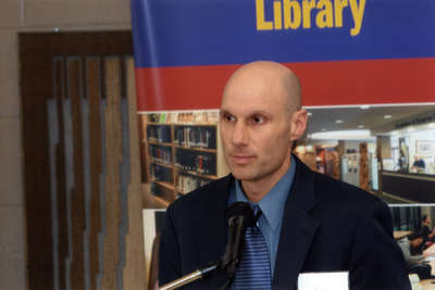 Tom Berczi speaking at Wilfrid Laurier University Library donor event