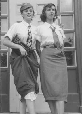 Two female Waterloo College freshmen