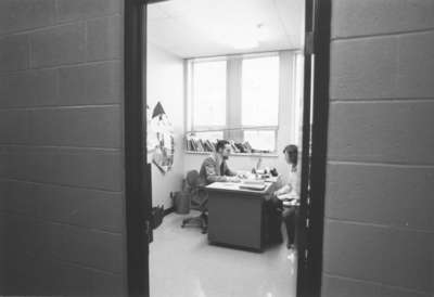 Gerald Noonan talking to a student