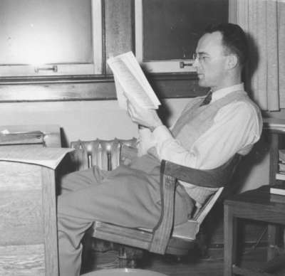 Howard Bream reading a book