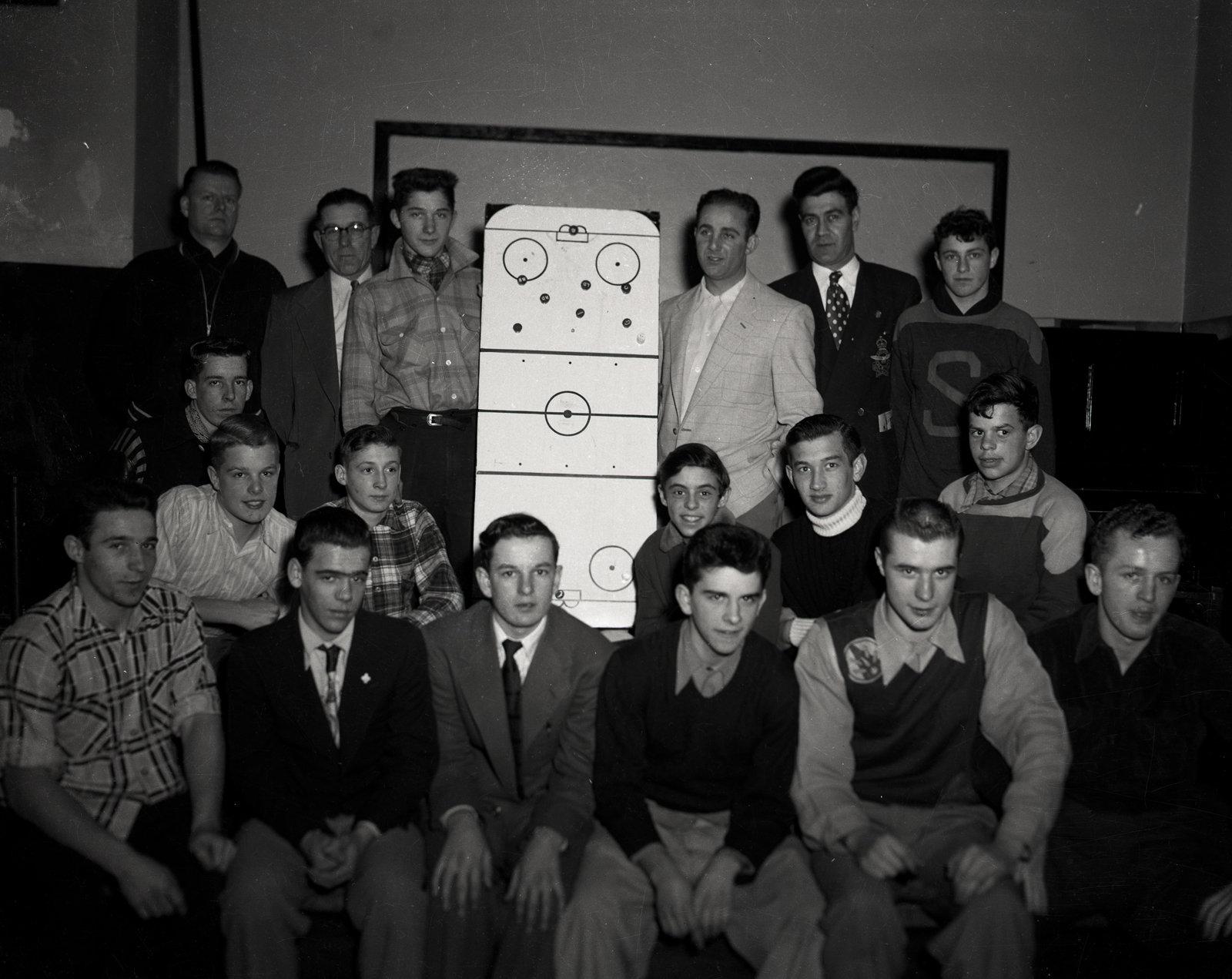 Une équipe de hockey sur table / A hockey board team