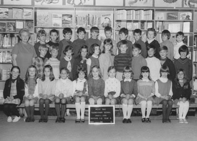 Mrs. Mould's Grade II & III Classes (1969-'70)