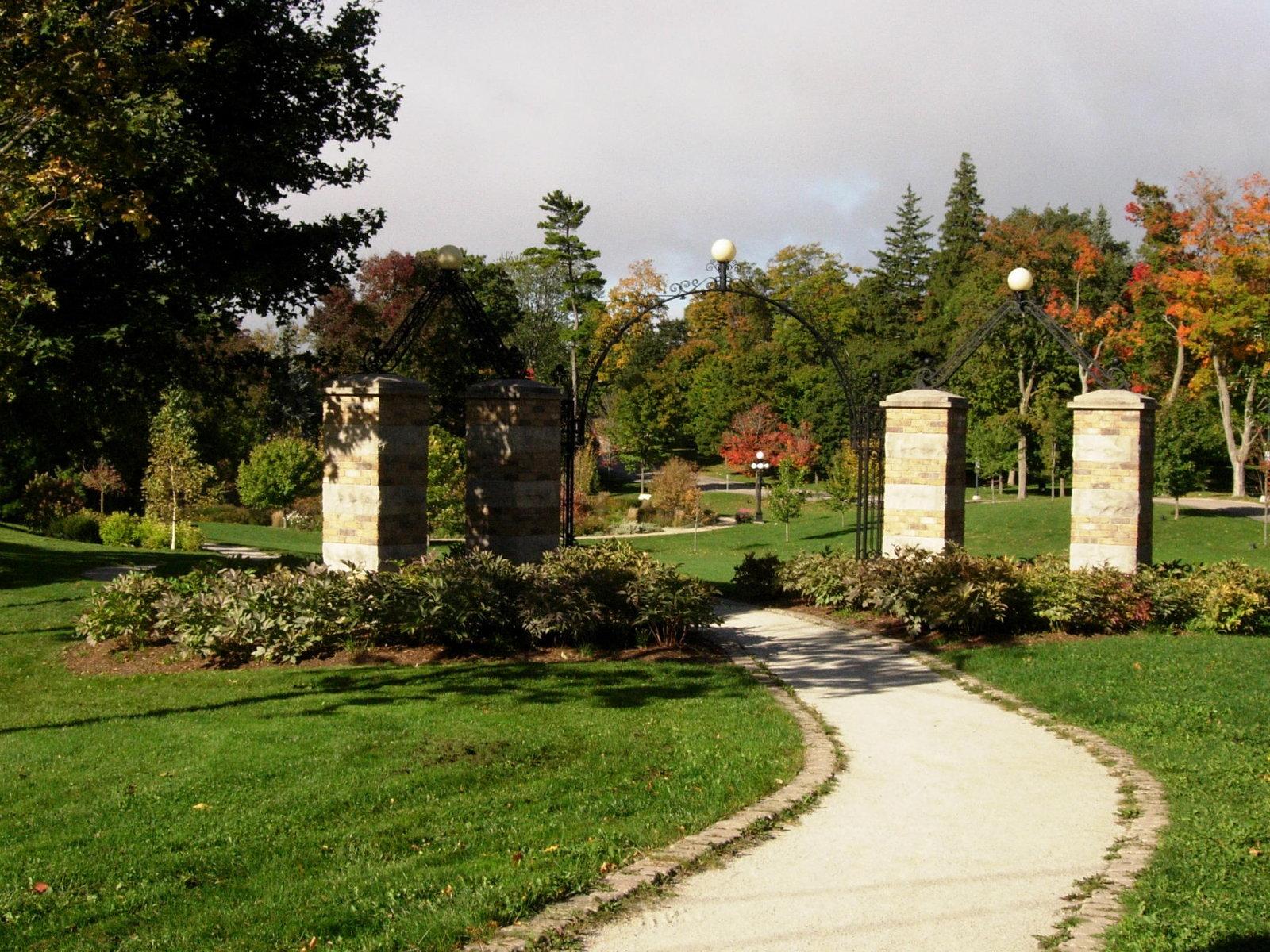 Waterloo Park Victoria Memorial Gateway, Waterloo, Ontario