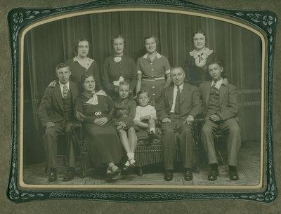 Leo & Emma (nee Voisin) Boppre Family