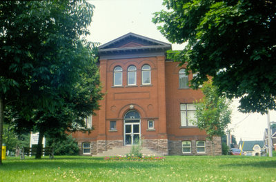 Waterloo Public Library, Carnegie Library