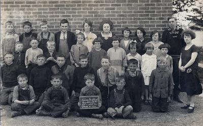 Kinsale School, (U.S.S. #2), June 1926