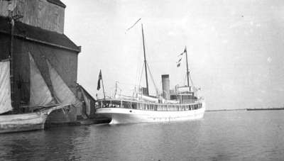 Bayfield Steamship at Whitby Harbour, c.1910