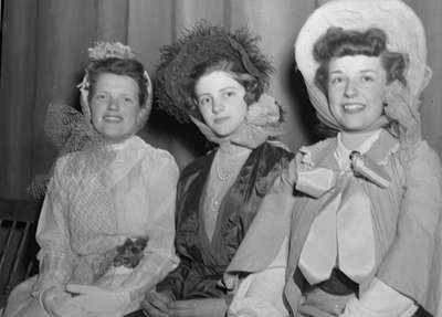 Whitby Modern Players - Variety Show 1948 (Image 10 of 16)