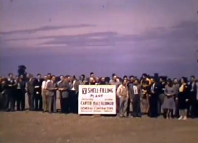 Employees of the Pickering Shell-filling plant in 1941. (no audio)