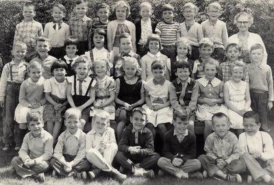 Ms. Hortop's class at Pickering Public School, S.S.#4