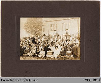 Mount Pleasant Public School Class Photo, 1913