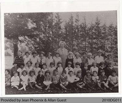 Mount Pleasant Public School Class Photo, c. 1930s?