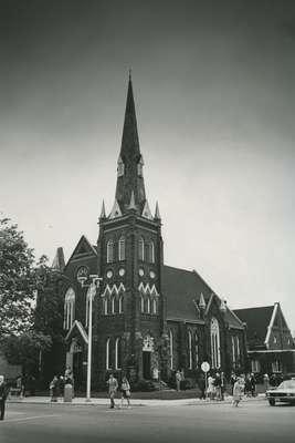 Knox Presbyterian Church, Oakville: exterior in the 1980s.