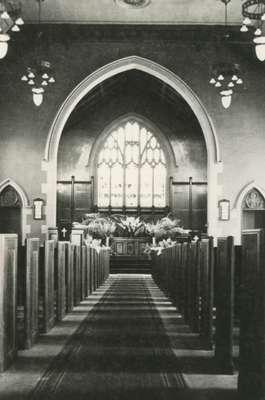 Knox Presbyterian Church, Oakville: interior.