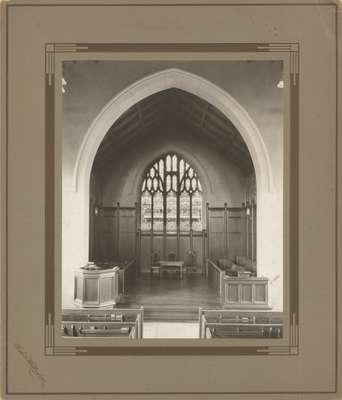 Knox Presbyterian Church, Oakville: chancel, 1920.