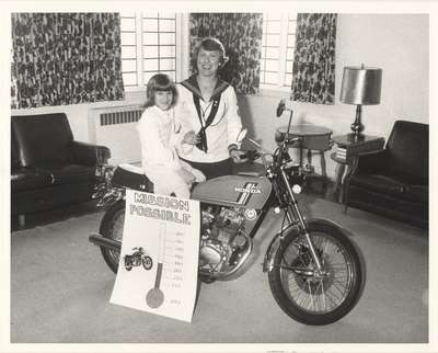 Agatha Platiel with daughter Vicki, 1978.