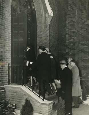People entering the church, Knox Presbyterian Church, Oakville.