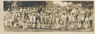 Knox Presbyterian Church picnic, Oakville, to Miles Farm, July 6, 1932.