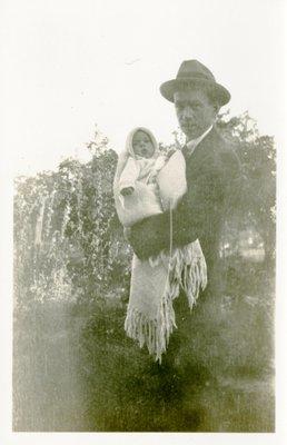LH1324 J. Aubrey Morphy and infant son J. Denys Morphy
