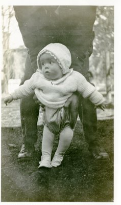 LH1327 J. Denys Morphy as an infant, standing (2)