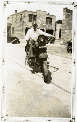 LH2850 Man on motorcycle on Church Street
