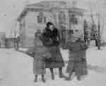 LH1361 Henry Edmund Morphy's children outside in winter.