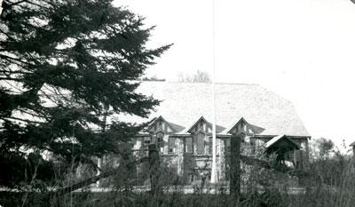 Rosseau Community Hall with Flagpole - RM0010