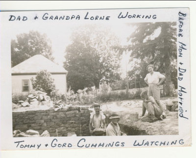 RI0184 - lt to rt - Allan & Lorne Fraser with Tommy & Gord Cummings watching - 1946-47 - get location
