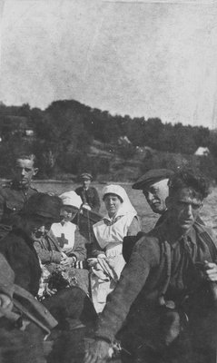 Nurses and soldiers on a boat to Fettercairn