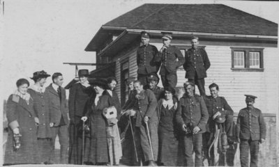Soldiers and friends at Chaffeys Lock train station