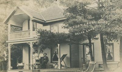 Woody Crest Lodge