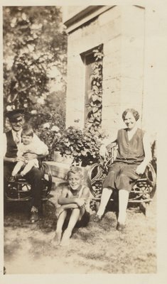 Herman and Alice Warren with son Donald and daughter Lorraine c.1930