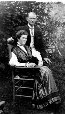 Elah Alford and Edith Alford c.1910