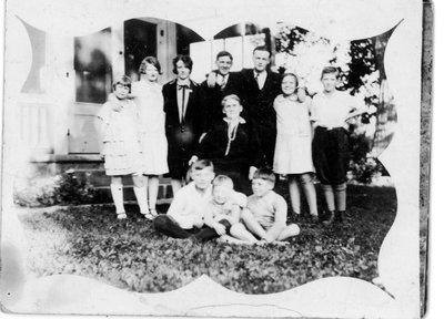 Martha Tackaberry Alford with grandchildren c.1925