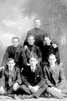 Bill Fleming, Floyd Chisholm, Harry Fleming and friends c.1908
