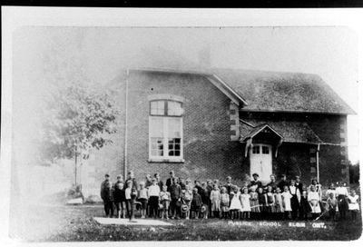 Class at Red Brick School in Elgin, c.1900
