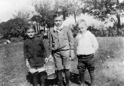 Fetching water at SS#3 Ballantyne School c.1913
