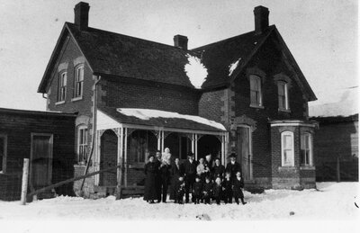 Ormond Wright family c.1910 in house owned by the Covells