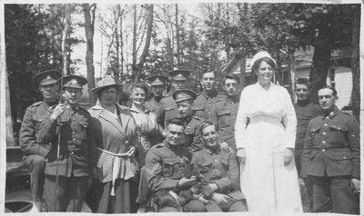 Soldiers and nurse at Fettercairn