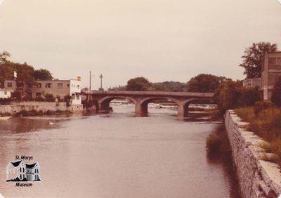 Thames River and Victoria Bridge