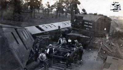 Grand Trunk Steam Crane at 1920 Wreck
