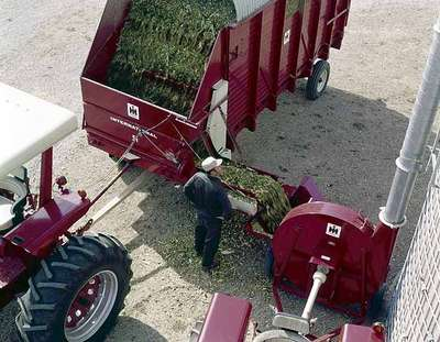 Forage Blower and Wagon