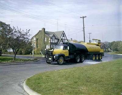 Street Cleaning Truck, Hamilton, ON