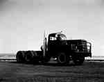 An IHC RDF 230 truck with a 3/4 front.