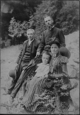 Outdoor portrait of an unidentified family.
